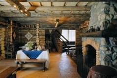 Стиль Кантри с каменной русской печью в деревенском доме