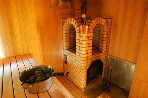 Для комфортного, а главное, безопасного отдыха необходимо правильно разместить печь в бане.