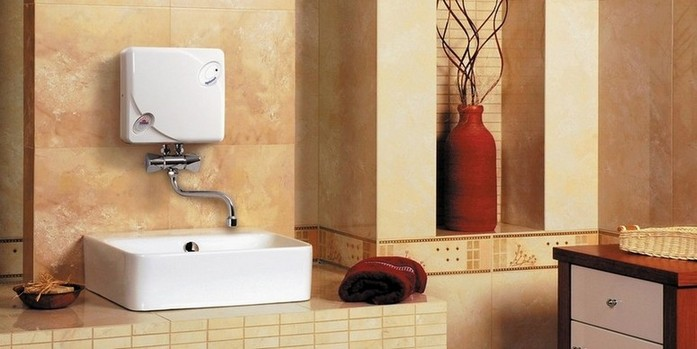 Водонагреватели стали незаменимым устройством для жителей частных домов. С помощью них в доме всегда имеется горячая вода.