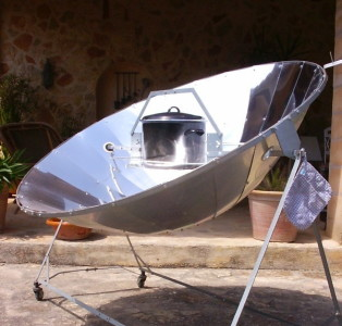 Солнечная печь с зеркалом-концентратором