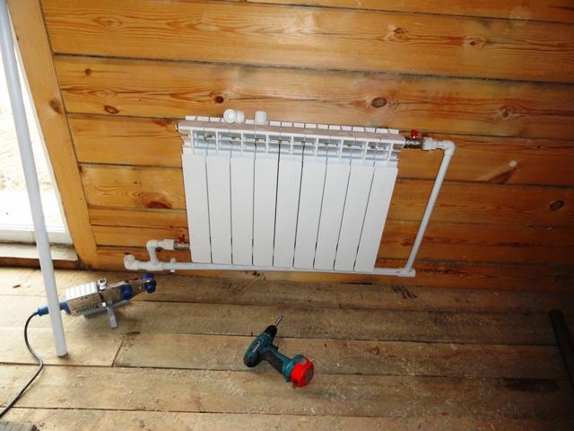 Как заменить отопление в квартире своими руками RMNT